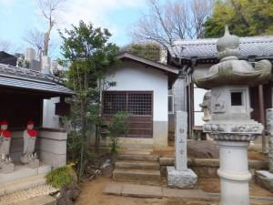東光寺の白山堂