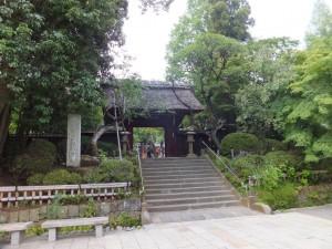 深大寺の本堂の入り口
